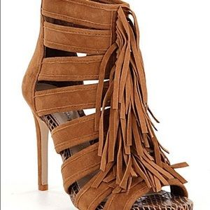 Gianni Binj Saleemah Fringe peep toe pumps Size 9